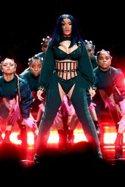 Cardi B performs at 2019 BET Awards in Los Angeles, California 2019/06/23 7
