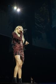 Carrie Underwood performs at Fiserv Forum in Milwaukee 2019/06/20 6