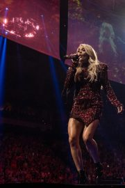 Carrie Underwood performs at Fiserv Forum in Milwaukee 2019/06/20 11