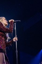 Carrie Underwood performs at Fiserv Forum in Milwaukee 2019/06/20 15