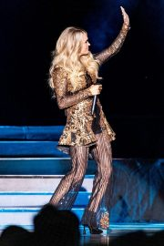 Carrie Underwood performs in Concert at Resorts World Arena in Birmingham 2019/06/28 3