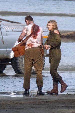 "Chloe Grace Moretz Shooting for ""Shadow in the Cloud"" in New Zealand 2019/06/10 3"
