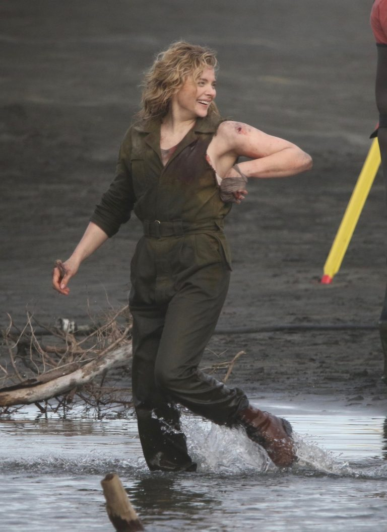 "Chloe Grace Moretz Shooting for ""Shadow in the Cloud"" in New Zealand 2019/06/10 6"