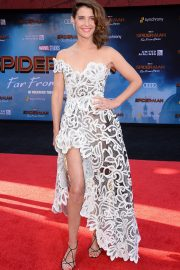 """Cobie Smulders attends Sony Pictures """"Spider-Man Far From Home"""" Premiere at TCL Chinese Theatre in Hollywood 2019/06/26 6"""