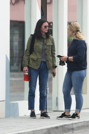 Courteney Cox Shopping Out for Whole Foods in Los Angeles 2019/06/22 1
