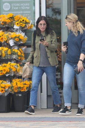 Courteney Cox Shopping Out for Whole Foods in Los Angeles 2019/06/22 6