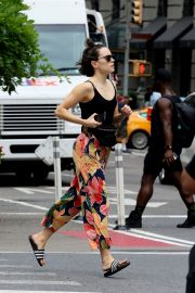Daisy Ridley in Tank Top and Multicolor Bottom Out in New York 2019/06/25 9