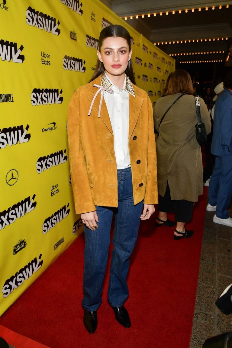 "Diana Silvers attends ""Booksmart"" Premiere at the Paramount Theatre in Austin 2019/03/10 5"
