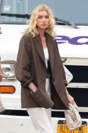 Elsa Hosk in Brown Coat Out for a Stylish Stroll in New York 2019/06/26 4