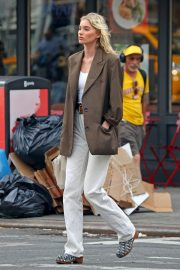 Elsa Hosk in Brown Coat Out for a Stylish Stroll in New York 2019/06/26 5