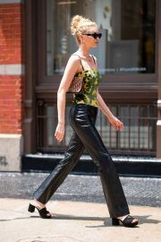 Elsa Hosk in Prada Shoes in SoHo in New York 2019/06/05 9