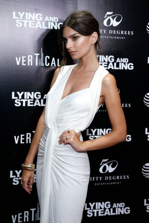 "Emily Ratajkowski attends ""Lying And Stealing"" New York Screening at Cinepolis Chelsea 2019/06/17 5"