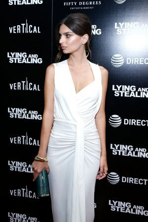 "Emily Ratajkowski attends ""Lying And Stealing"" New York Screening at Cinepolis Chelsea 2019/06/17 14"