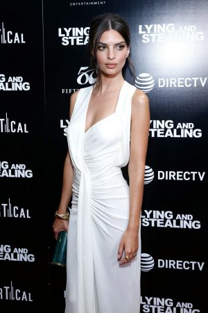 "Emily Ratajkowski attends ""Lying And Stealing"" New York Screening at Cinepolis Chelsea 2019/06/17 15"