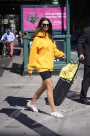 Emily Ratajkowski in Yellow Hoodies and Shorts Out in New York 2019/06/23 5