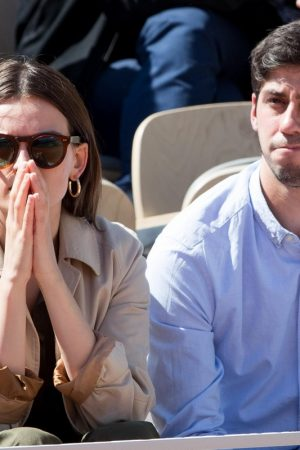 Emma Mackey with her friends at French Tennis Open at Roland Garros in Paris 2019/06/08 1