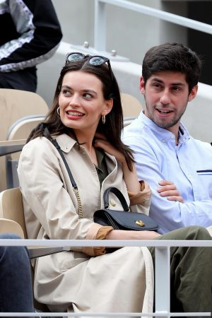 Emma Mackey with her friends at French Tennis Open at Roland Garros in Paris 2019/06/08 3