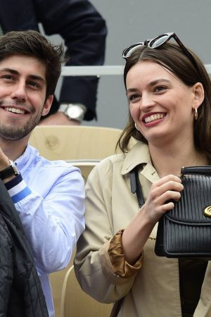 Emma Mackey with her friends at French Tennis Open at Roland Garros in Paris 2019/06/08 11
