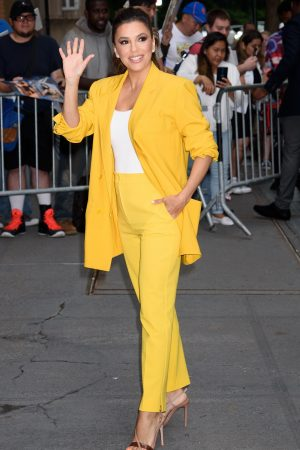 "Eva Longoria in Yellow Suit Outside ""View"" in New York City 2019/06/17 3"