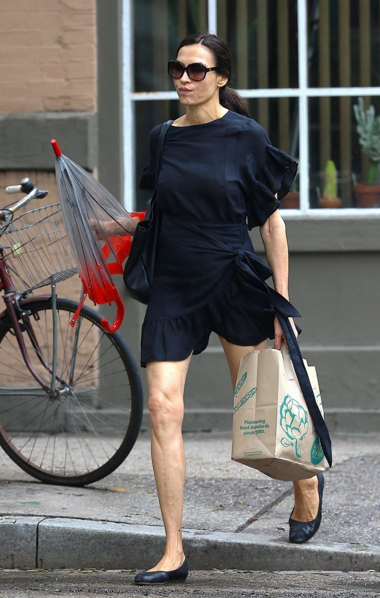 Famke Janssen in Black Stylish Dress Out in New York 2019/06/21 1