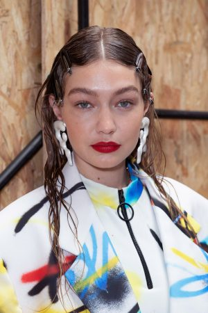 Gigi Hadid at Menswear Spring Summer 2020 Fashion Show Backstage in Paris 2019/06/19 6