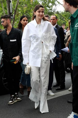 Gigi Hadid attends Louis Vuitton Menswear Spring Summer 2020 in Paris 2019/06/20 1