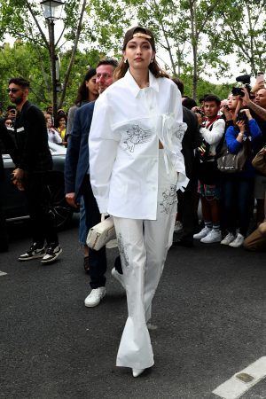 Gigi Hadid attends Louis Vuitton Menswear Spring Summer 2020 in Paris 2019/06/20 5