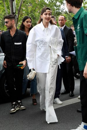Gigi Hadid attends Louis Vuitton Menswear Spring Summer 2020 in Paris 2019/06/20 6
