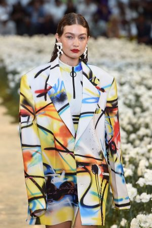 Gigi Hadid Ramp Walks During Off-White Menswear Spring Summer 2020 show in Paris 2019/06/19 2