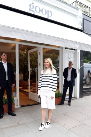Gwyneth Paltrow leaves Westbourne Grove Opening of GOOP in London 2019/06/18 3