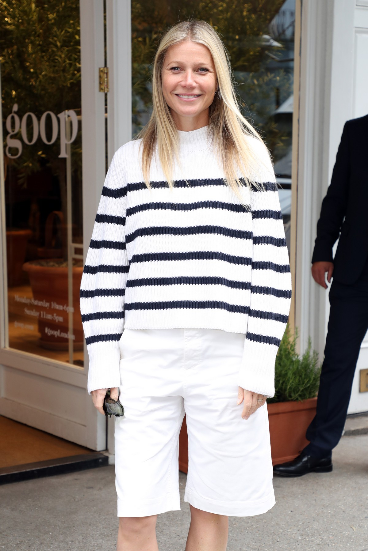 Gwyneth Paltrow leaves Westbourne Grove Opening of GOOP in London 2019/06/18 5
