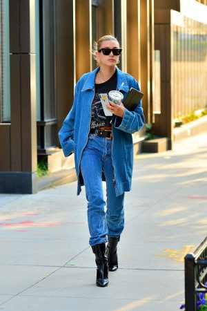 Hailey Baldwin in Double Denim Out in New York City 2019/06/22 4