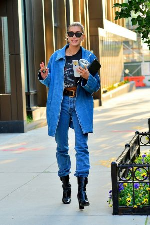 Hailey Baldwin in Double Denim Out in New York City 2019/06/22 6