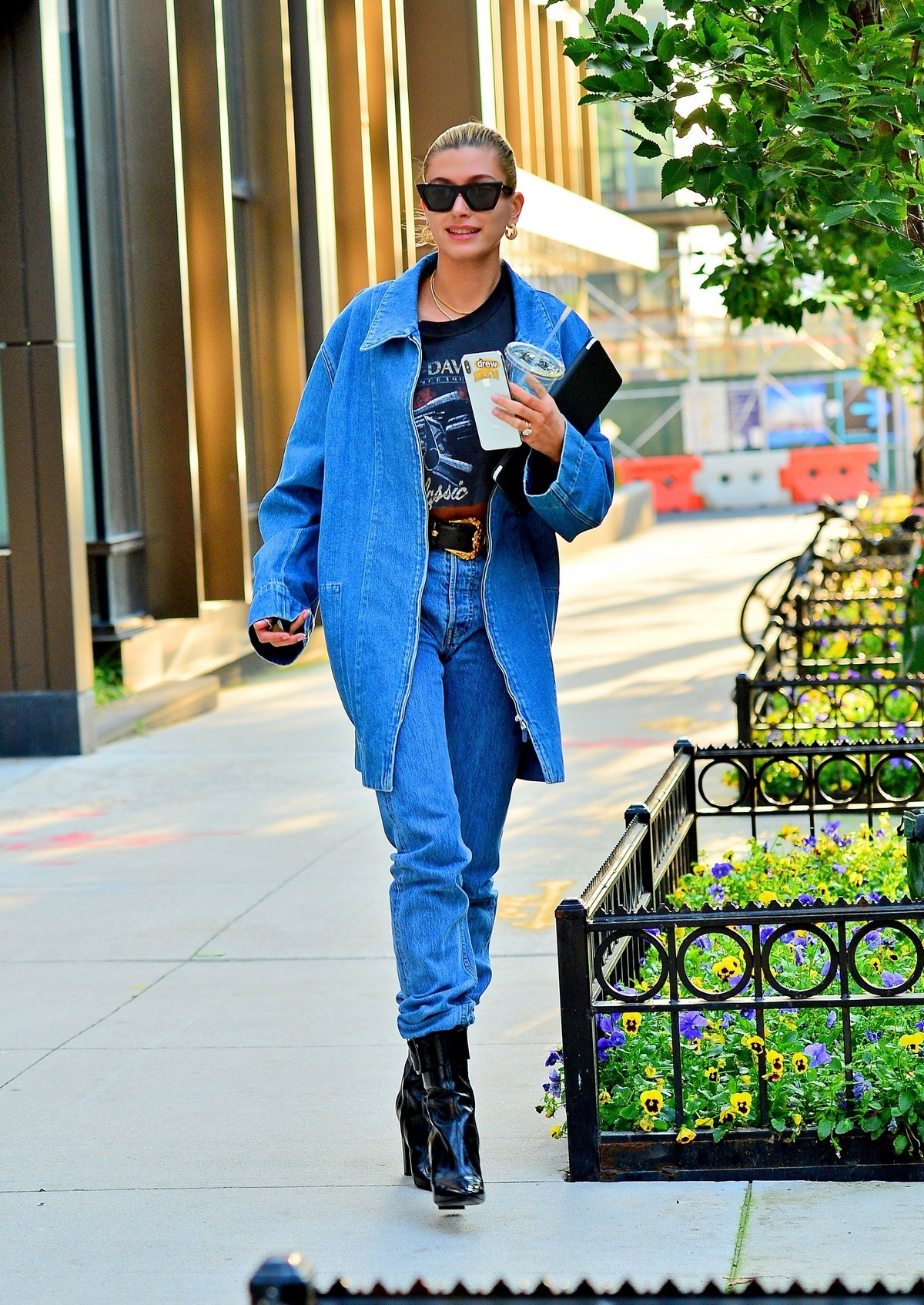 Hailey Baldwin in Double Denim Out in New York City 2019/06/22 7