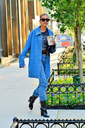 Hailey Baldwin in Double Denim Out in New York City 2019/06/22 9