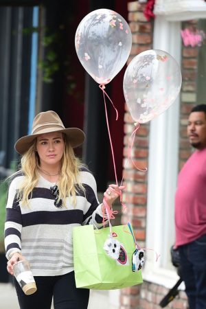 Hilary Duff in Lining Top and Tights Out in Los Angeles 2019/06/15 2