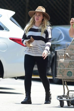 Hilary Duff in Lining Top and Tights Out in Los Angeles 2019/06/15 4