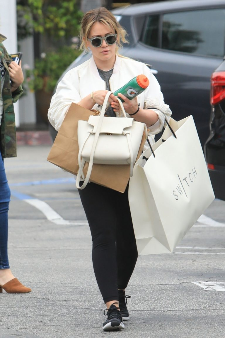 Hilary Duff  Out for Monday Morning Trip to Beverly Hills 2019/06/17 3