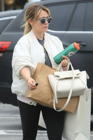 Hilary Duff  Out for Monday Morning Trip to Beverly Hills 2019/06/17 6
