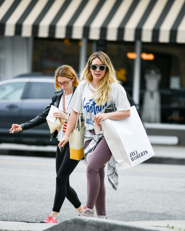 Hilary Duff with her friend Out for Shopping in Studio City 2019/06/18 1
