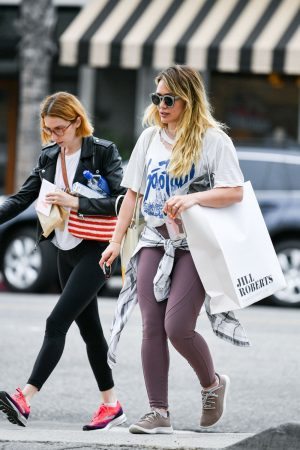 Hilary Duff with her friend Out for Shopping in Studio City 2019/06/18 2