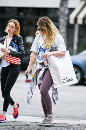 Hilary Duff with her friend Out for Shopping in Studio City 2019/06/18 4