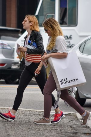 Hilary Duff with her friend Out for Shopping Trip in Studio City 2019/06/18 1