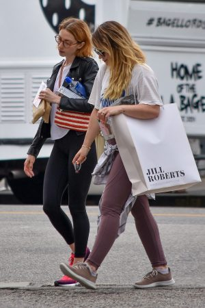 Hilary Duff with her friend Out for Shopping Trip in Studio City 2019/06/18 4