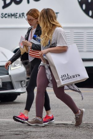 Hilary Duff with her friend Out for Shopping Trip in Studio City 2019/06/18 5