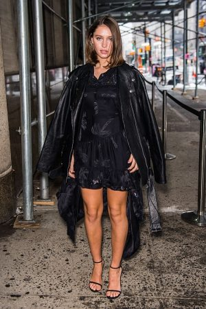 Iris Law arrives 1941 Fashion Show during New York Fashion Week 2019/02/12 1