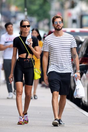 Izabel Goulart and Kevin Trapp after a workout in New York City 2019/06/17 3