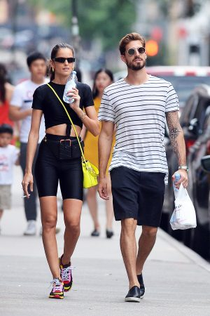 Izabel Goulart and Kevin Trapp after a workout in New York City 2019/06/17 5