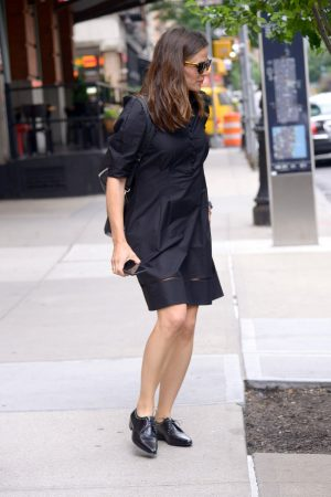 Jennifer Garner in Black Dress Out in New York 2019/06/17 4