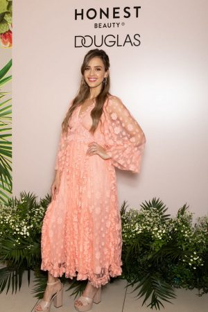 Jessica Alba attends Meet & Greet Event of the Honest Beauty line at Douglas in Milan 2019/06/20 5